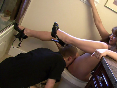 Mommy's Toilet Slave Free Movie